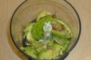 Тосты с авокадо и печеными томатами - фото шаг 3