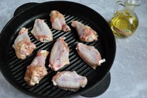 Жареные куриные крылышки на сковороде - фото шаг 4
