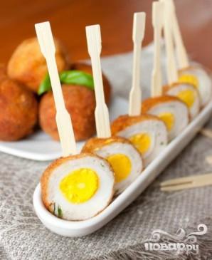 Перепелиные яйца по-шотландски - фото шаг 5