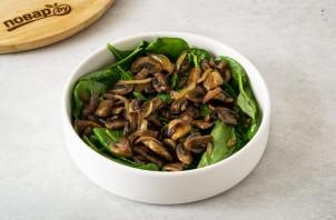 Салат с грибами шампиньонами жареными - фото шаг 6