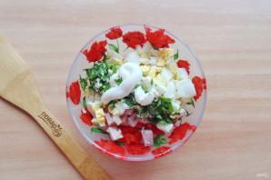 Салат с яйцом и ветчиной - фото шаг 7