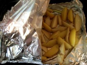 Молодой картофель в фольге - фото шаг 4