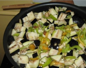 Тушеные овощи с фаршем - фото шаг 2
