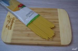 Паста с чесночным соусом - фото шаг 1