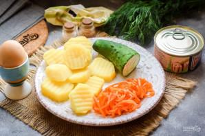 Слоеный салат с тунцом и картофелем - фото шаг 1