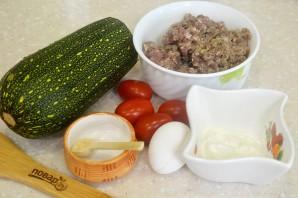 Кабачки в духовке с фаршем и помидорами - фото шаг 1