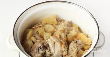 Тушеная квашеная капуста с картошкой - фото шаг 4