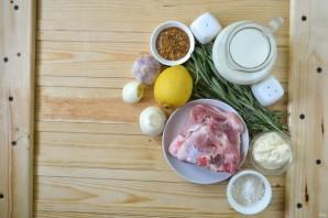 Молочная свинина с розмарином - фото шаг 1
