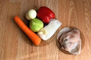 Салат из фунчозы с кальмарами - фото шаг 1