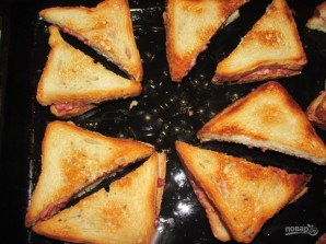Закрытые бутерброды с сыром и колбасой - фото шаг 8