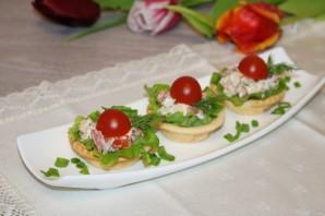 Салат с курицей в тарталетках - фото шаг 8