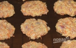 Куриные котлеты с творожным сыром - фото шаг 7