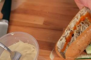 Сэндвич с курицей (ланч бокс) - фото шаг 4