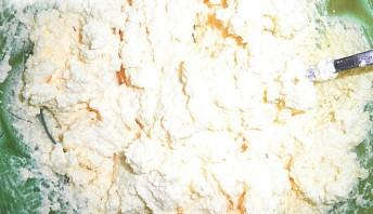 Вкусная запеканка творожная - фото шаг 4
