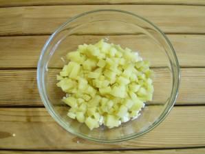 Салат с маринованными огурцами - фото шаг 3