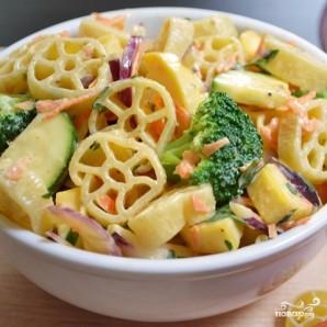 Овощной салат с макаронами - фото шаг 13