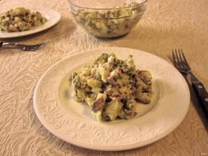 Простой салатик с печенью трески - фото шаг 8