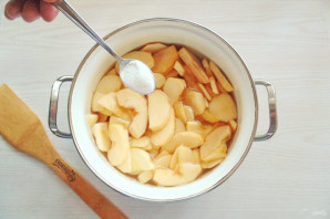 Карамельное варенье из яблок - фото шаг 5