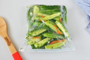 Рецепт засолки огурцов в пакете - фото шаг 4