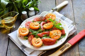 Салат из абрикосов с помидорами