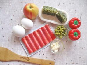 """Салат """"Лаура"""" с крабовыми палочками и яблоком - фото шаг 1"""