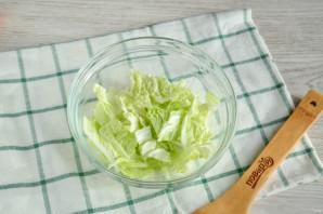 Салат с пекинской капустой и сайрой - фото шаг 2