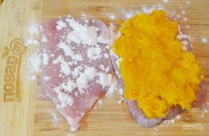 Свинина с тыквенным фаршем и соусом карри - фото шаг 4