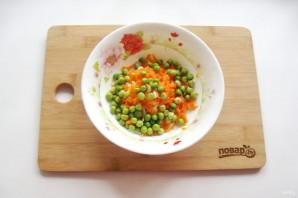 Салат с зеленым горошком и морковью - фото шаг 4