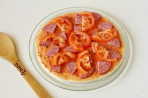Пицца на готовой основе в микроволновке - фото шаг 4