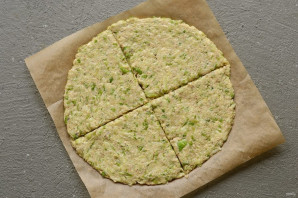 Сыроедческая пицца - фото шаг 4