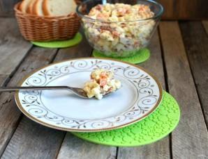 Салат с морковью и копченой горбушей - фото шаг 5
