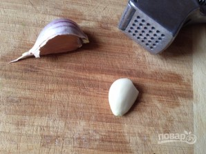 Салат из сухариков и кукурузы - фото шаг 5