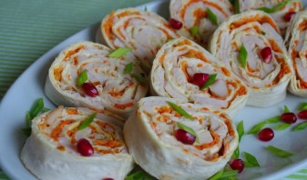Рулет из лаваша, курицы и корейской моркови - фото шаг 3