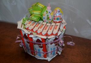 Торт из конфет на день рождения мальчику - фото шаг 9