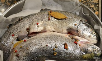 Речная рыба в духовке - фото шаг 2