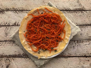 Блинчики с корейской морковью  - фото шаг 7