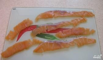 Ролл с лососем - фото шаг 2