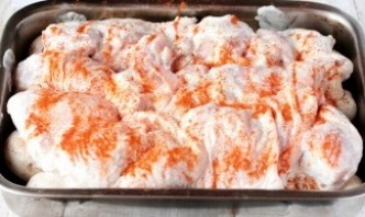 Курица в духовке с шампиньонами - фото шаг 7