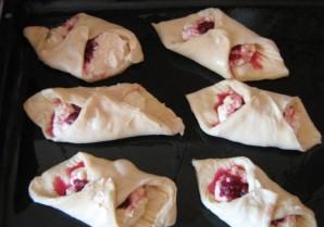 Слоеные пирожки с повидлом - фото шаг 3