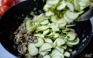 Тушеные овощи с сыром - фото шаг 5