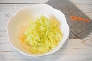 Оладьи из кабачков и картофеля - фото шаг 2