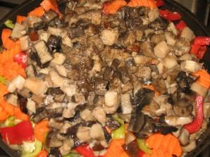 Гуляш из говядины с грибами - фото шаг 5