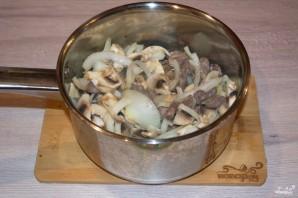 Куриные сердечки в сметане с грибами - фото шаг 5