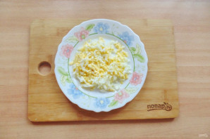 Салат с куриной печенью и маринованными огурцами - фото шаг 7