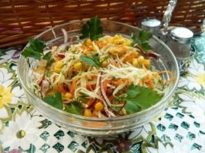 Капустный салат с морковью и кукурузой - фото шаг 6