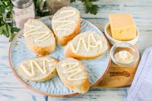 Канапе с грушей и сыром