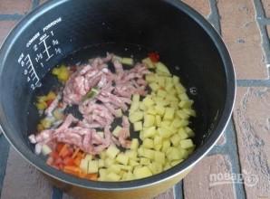 Овощное рагу с фаршем в мультиварке - фото шаг 5