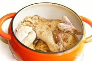 Тушеная курица в кастрюле - фото шаг 2