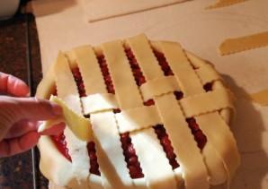Пирог с вишней из песочного теста - фото шаг 10