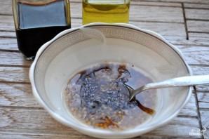 Салат с мидиями и креветками - фото шаг 5